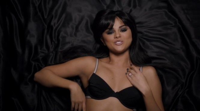selena-gomez-in-hands-to-myself-video