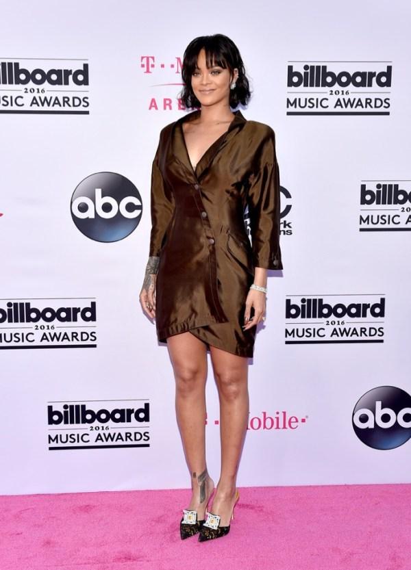 Rihanna-Mugler-2016-Billboard-Music-Awards
