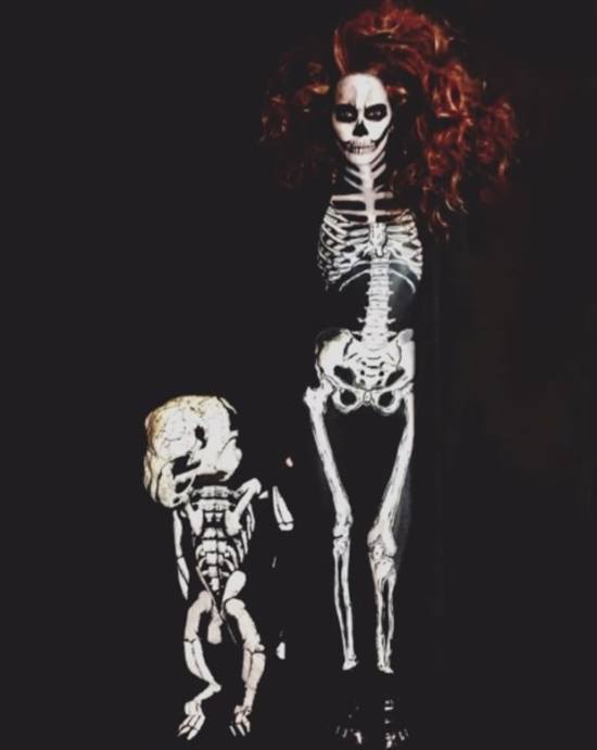 Halle Berry and daughter as skeletons