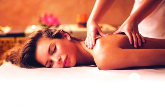 woman having kokolokahi massage