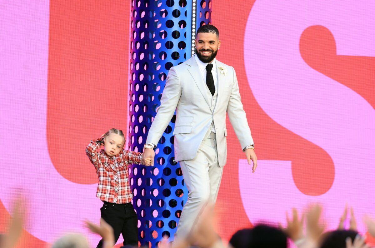 Drake at Billboard awards 2021