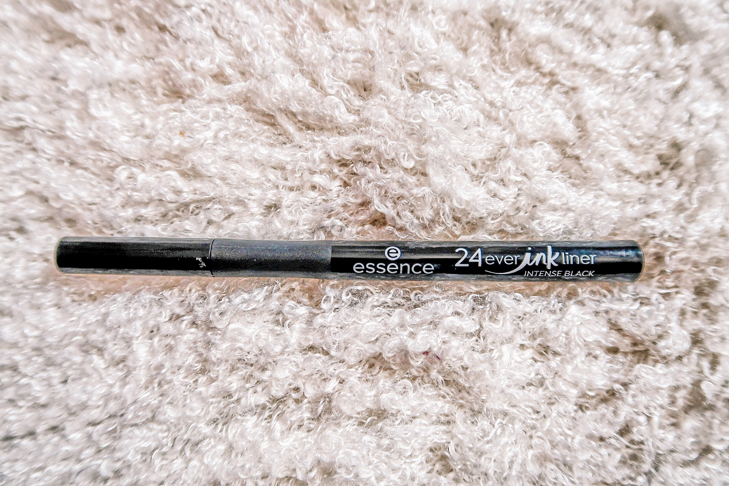 #orecomandare: Essence 24 Ever Ink Liner