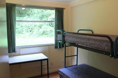 6 - Pem 2 - Twin bedroom