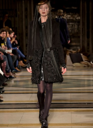 Ashley_Isham_AW15_300dpi_015