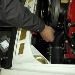 Ultraschallmessung am Motor eines Porsche