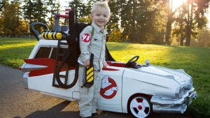 The-best-Halloween-gift-Ghostbusters-ECTO-1-01-1024x576