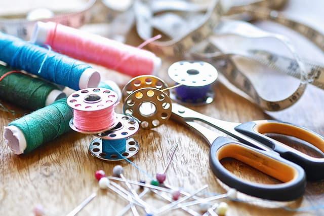Λίστα βασικών υλικών και εργαλείων για τη ραπτική