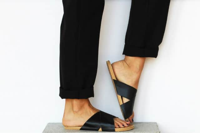 leather_sandals_main