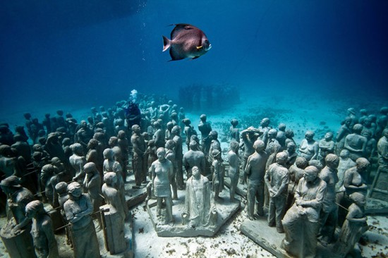 underwater-sculptures-can-004