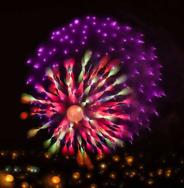 Stunning Long Exposures Fireworks Photography 1 Design