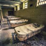 Striking Pictures of Abandoned Asylums in the US-11