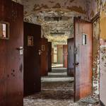 Striking Pictures of Abandoned Asylums in the US-15