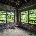 Striking Pictures of Abandoned Asylums in the US-2