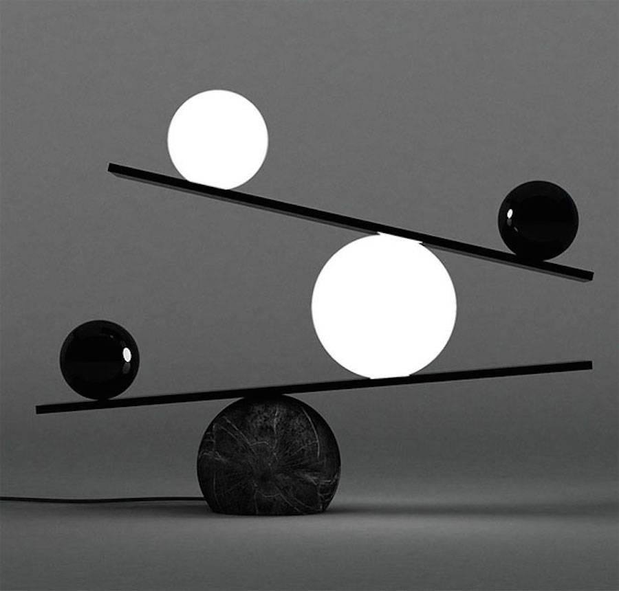 BalanceLamp1
