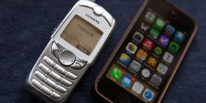 iPhone 4 und Siemens SL45 im nebeneinander