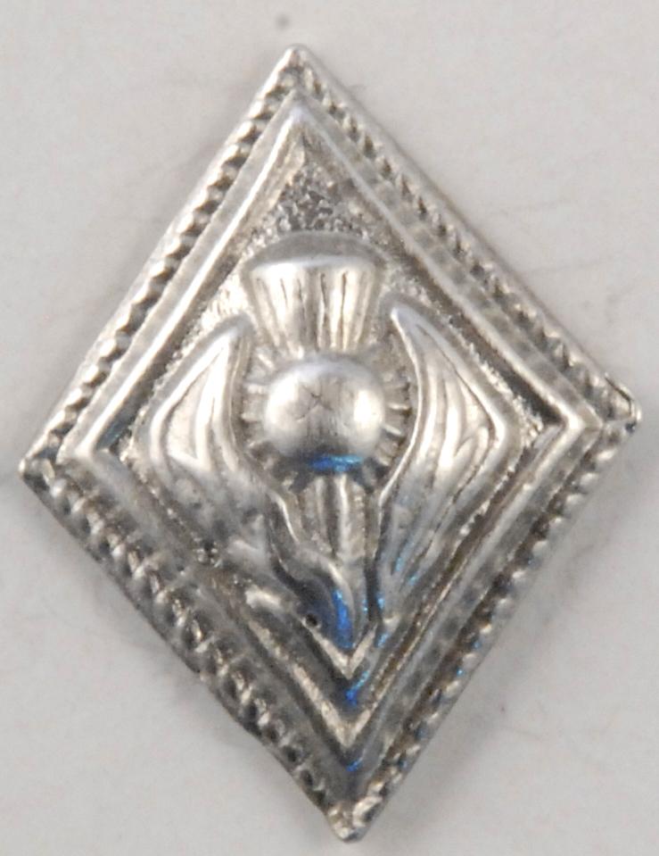 139 S Diamond Thistle pewter button