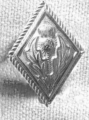 140 L Diamond Thistle pewter button