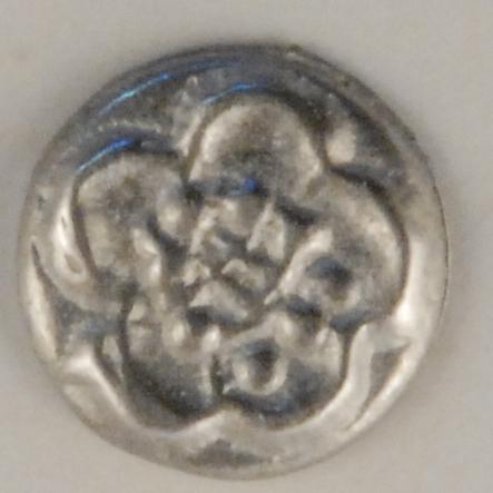 146 Chrysanthemum Pewter Button