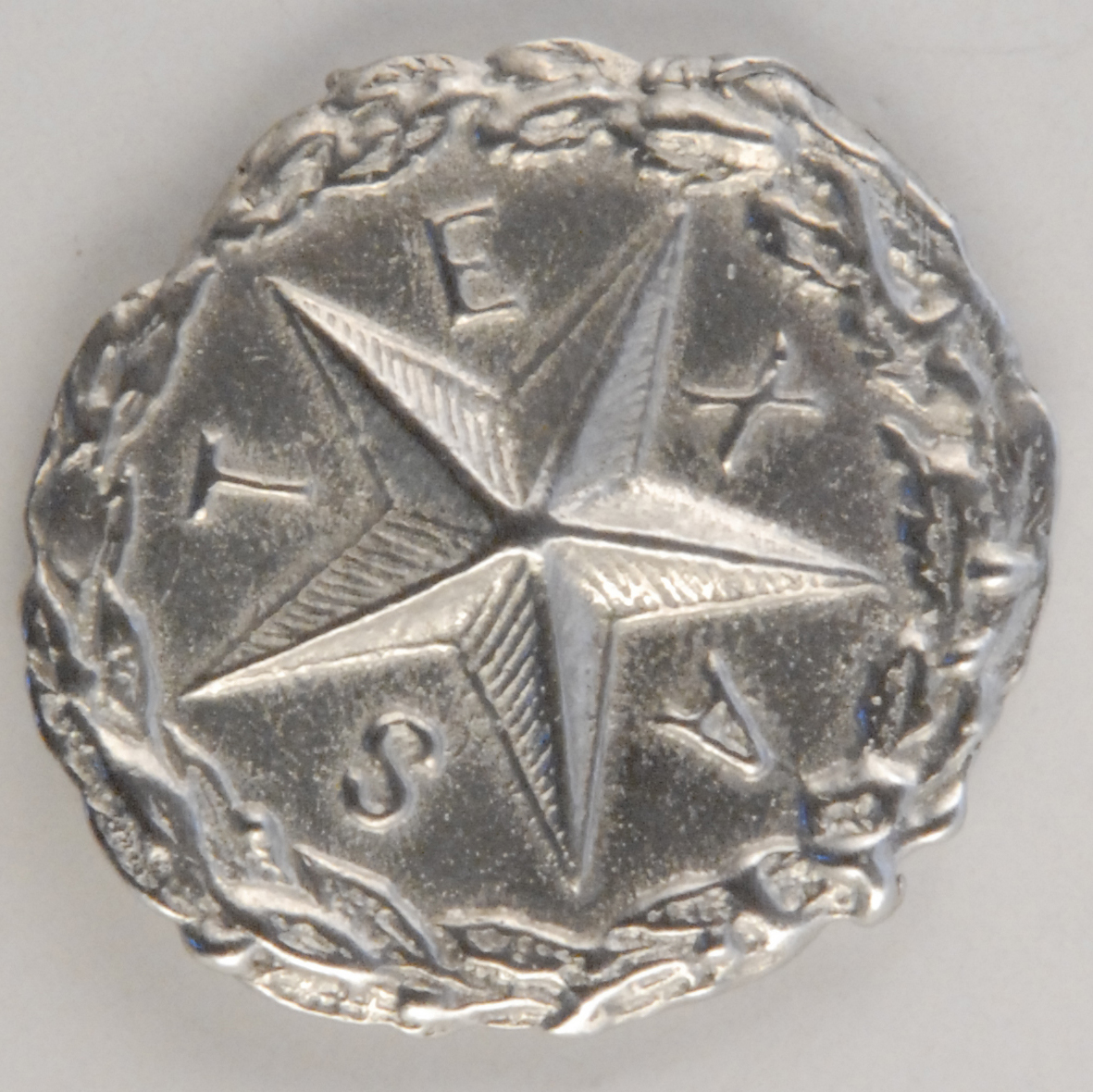 181 L Texas Star Pewter Button