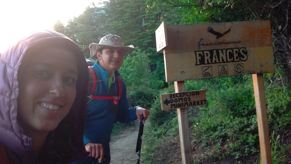 placa chegada no camping do frances
