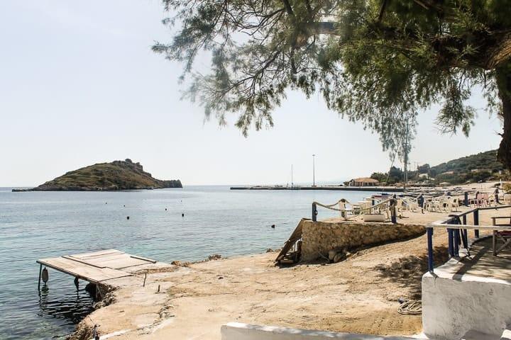 Porto de St Nicholas, guia de praias de Zakynthos