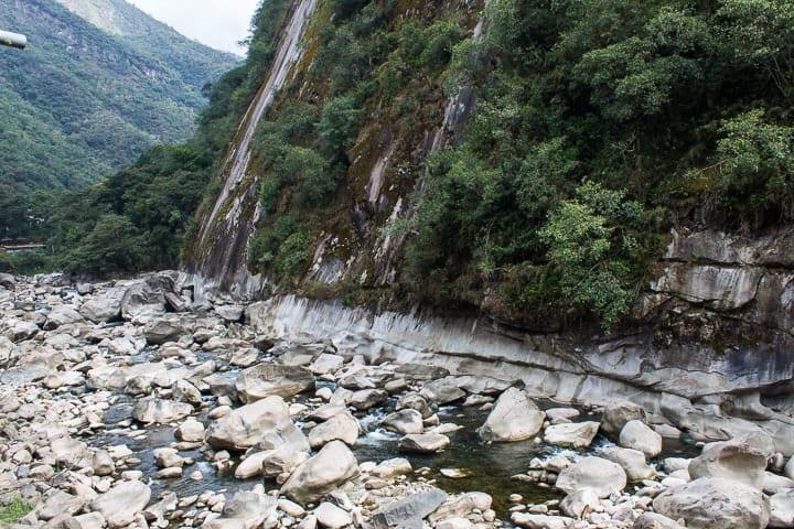 Vista da janela do Hostal La Payacha, Águas Calientes