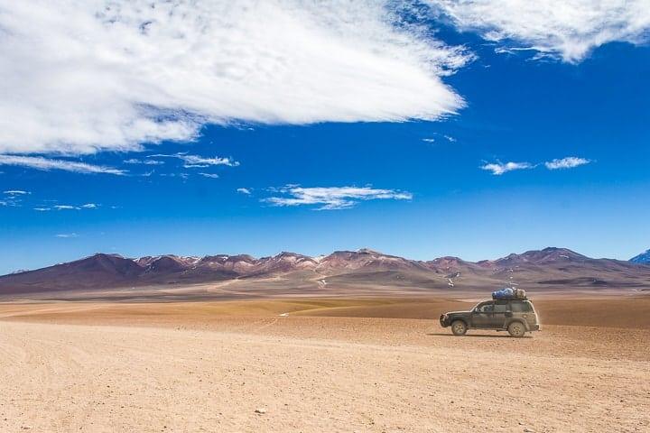Tour Salar de Uyuni - dia 2 - Carro no deserto