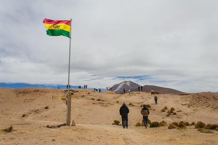 Tour Salar de Uyuni - dia 2 - vulcão Ollangue