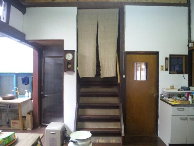 白壁と入口