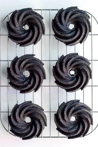 matcha glazed black sesame bundt cakes