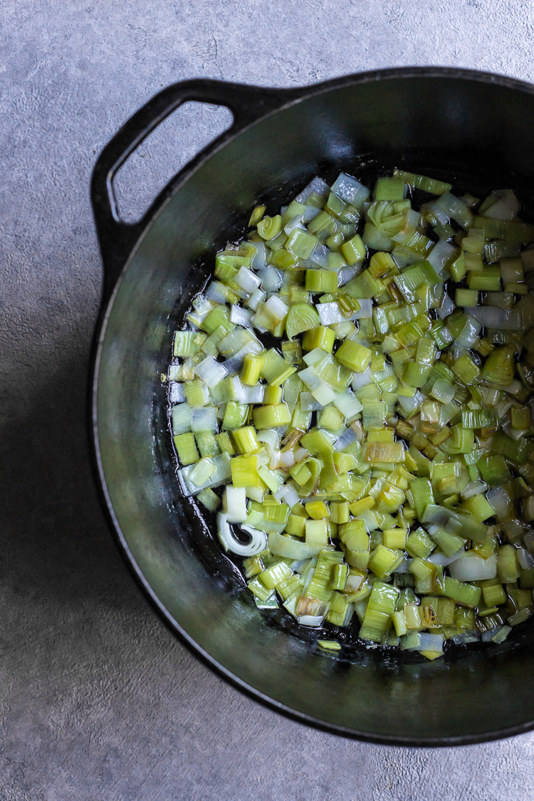 buttered peas with leeks and mint
