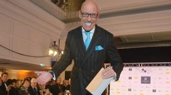 Mick Knauff trägt gern Zweireiher. Der Börsen-Guru von N24 war einer von fünf Promimodels, die die Maßanzüge von Stephan Görner bei der Charity-Gala Kleider machen Leute trugen.