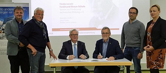 Ferdinand-Braun-Schule – Herzau + Schmitt jetzt als Mitglied im Förderverein