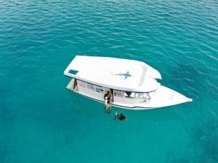 dive boat maldives