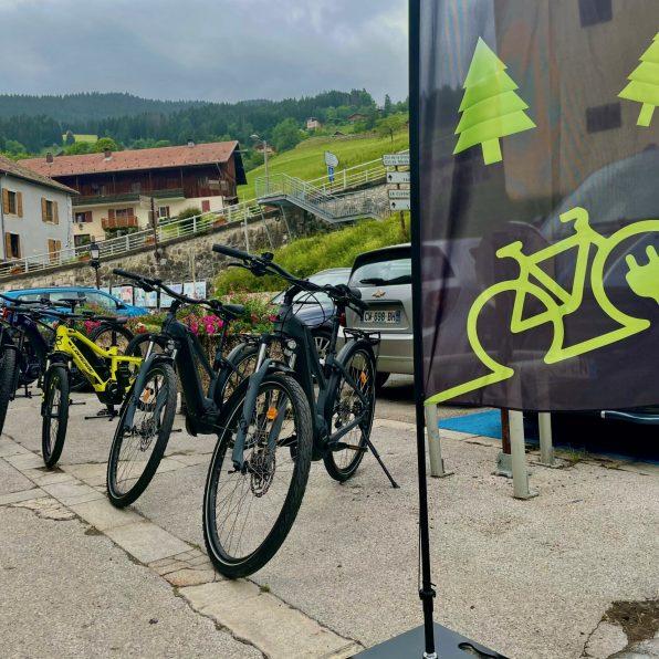 vélo-vélo-location-vtt-vtc-assistance-électrique-vae-manigod-la-clusaz-Thônes-boutique-shop-commerce-2021
