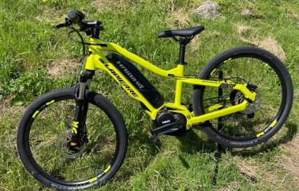 vélo-vtt-enfant-assitance-electrique-lapierre-haibike-location-full-mountain-aravis-manigod
