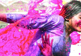6 Skin and Hair Care Tips for Holi 2019