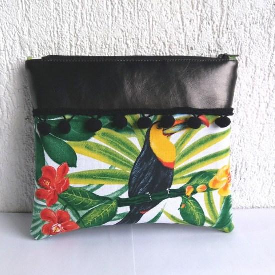 trousse tropicale noir pompons