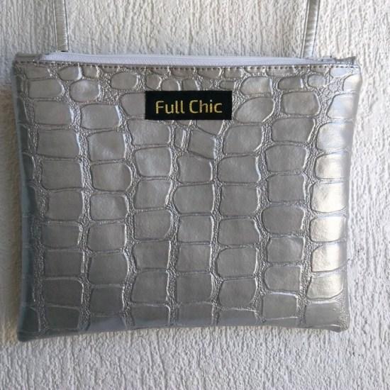 pochette argentée croco