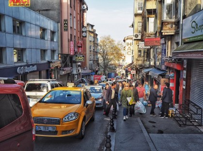 The bustle in an urban residential hood in Istanbul.