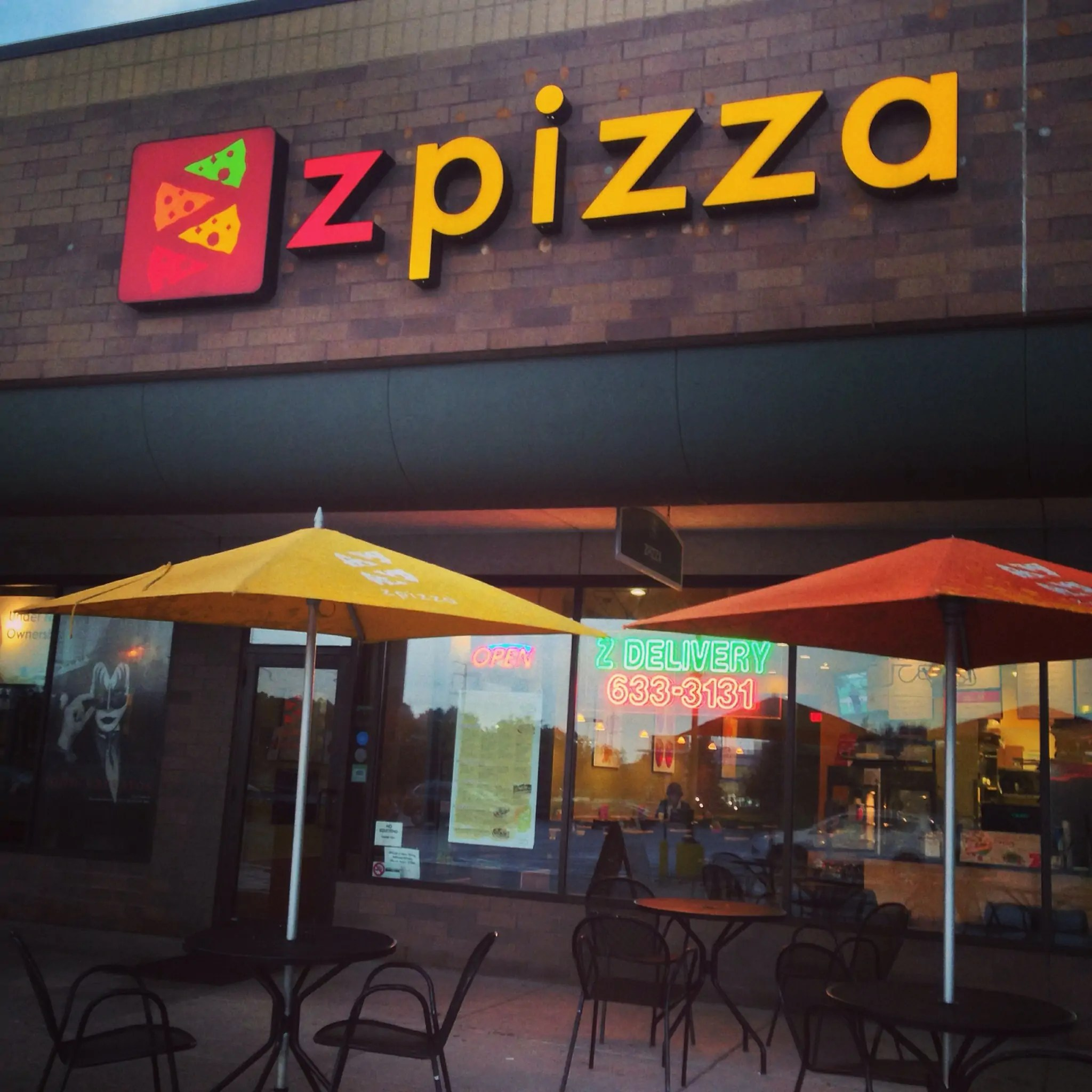 Vegan On The Road: Vegan Pizza, Zpizza, Minneapolis