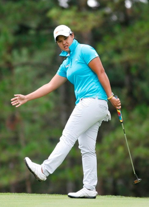Flawless Cyna storms to 4-shot lead in John Hay with 63