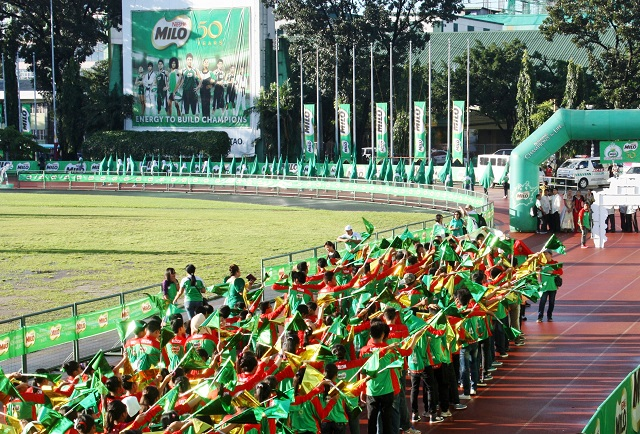 Team Luzon rehearses their entrance cheer for the opening ceremonies of the 6th MILO Little Olympics National Finals 2014.