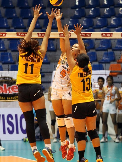 Summer Spikers edge Dolphins for first V-L win