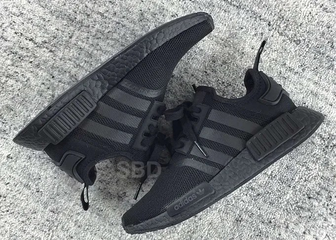 """Triple Black"" adidas Originals NMD_R1が2016年 夏頃発売か!? (アディダス オリジナルス エヌ エム ディー アール ワン)"