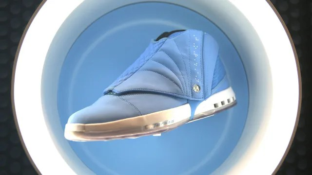 "UNC NIKE AIR JORDAN RETRO COLLECTION ""Carolina Blue"" (ノースカロライナ大学 ナイキ エア ジョーダン レトロ コレクション)"