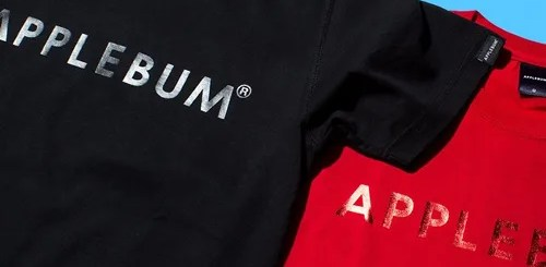 APPLEBUMから金属質な光沢が特徴的な箔プリントをボディと同色で落とし込んだTEEが発売中 (アップルバム)