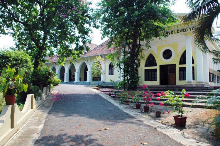 16 things to do in kochi kerala india indo-portuguese museum bishops house