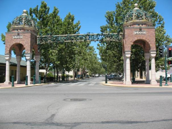 The new Lodi Arch, gateway to old town Lodi and the resturant where we ate tonight.