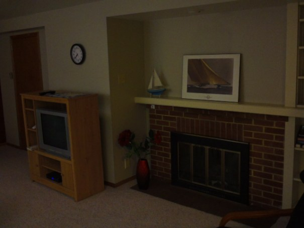 Nice TV and fireplace